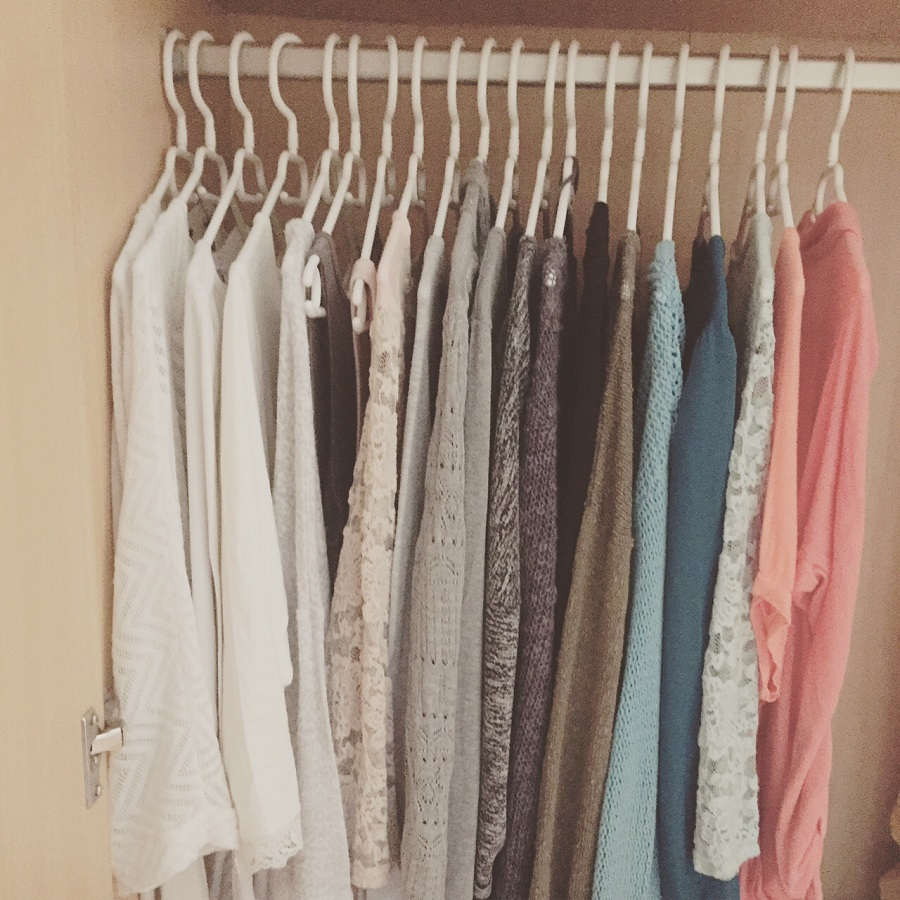 Capsule wardrobe minimalismus im kleiderschrank for Minimalismus im kleiderschrank